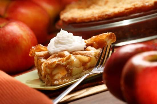 Яблочный пирог из слоёного теста/2894494_642f06bd7a55467fc5e2bdaae789b297 (550x365, 25Kb)
