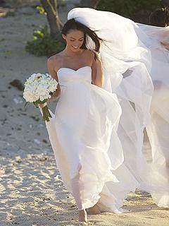невеста улыбается (240x320, 100Kb)