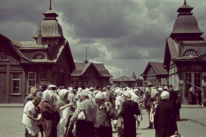 Торговые павильоны Центрального рынка Харькова/3788693_1 (700x466, 59Kb)