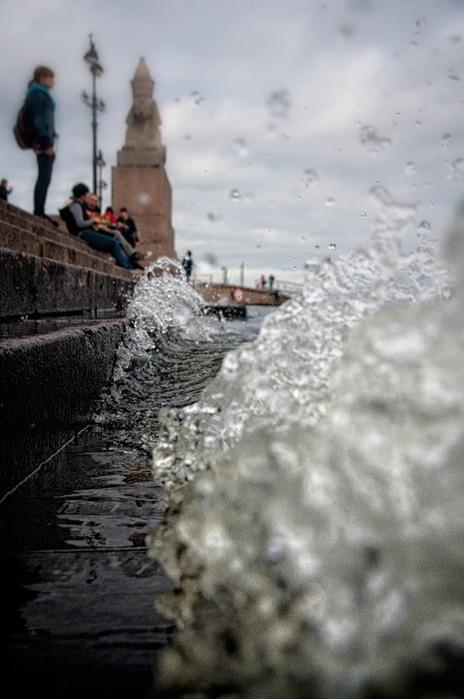 наводнение в питере/1316025800_navod (464x700, 76Kb)