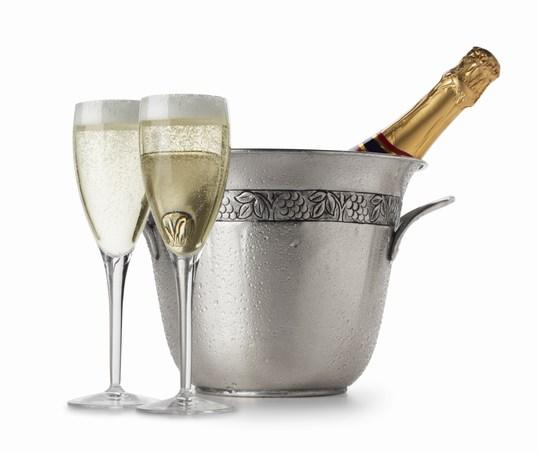 фото шампанское/4171694_shampanskoe (538x453, 31Kb)