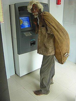 Такое бывает только в Индии/3676705_indianatm (300x400, 29Kb)