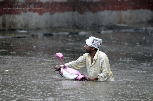 Такое бывает только в Индии/3676705_indianswimming580x385 (580x385, 57Kb)