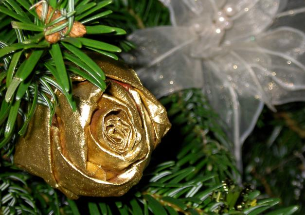 Розы на новый год своими руками