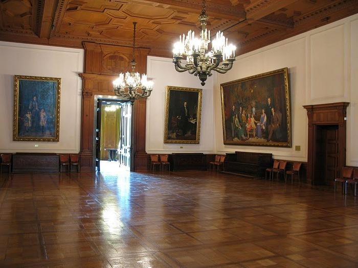 Виллa Хюгель (Виллa на холме) - родовое имение знаменитых Круппов. 94932