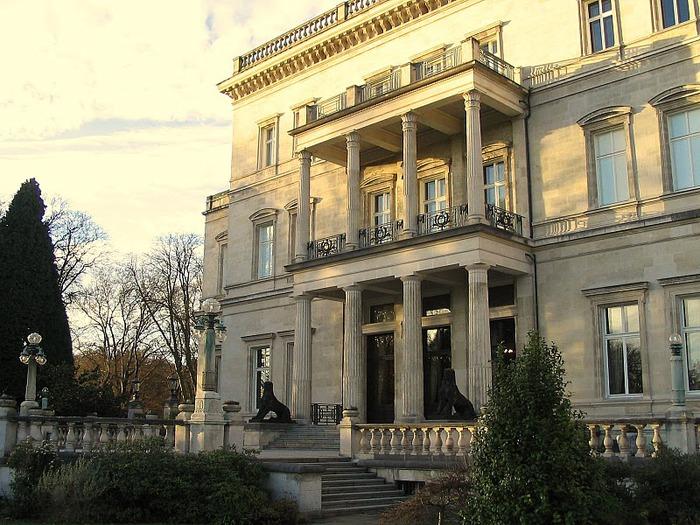 Виллa Хюгель (Виллa на холме) - родовое имение знаменитых Круппов. 29596