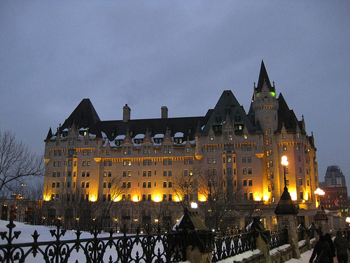 3676705_chateaulaurier (500x375, 134Kb)