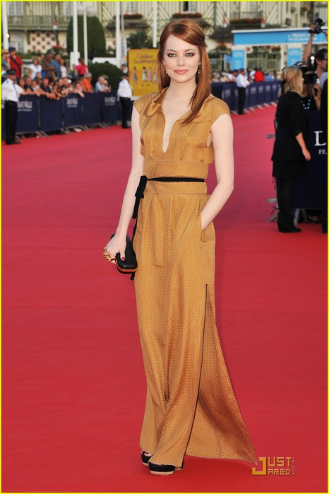 emma-stone-deauville-film-festival-opening-ceremony-03 (466x700, 75Kb)