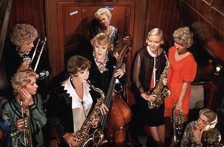 В джазе только девушки фильм 1959 в цвете смотреть онлайн