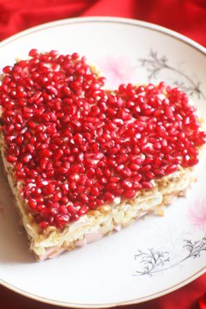 1326701669_salat-granatovoe-serdce-ko-dnyu-svyatogo-valentina (300x450, 70Kb)