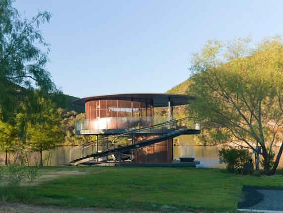 дом на озере (570x428, 244Kb)