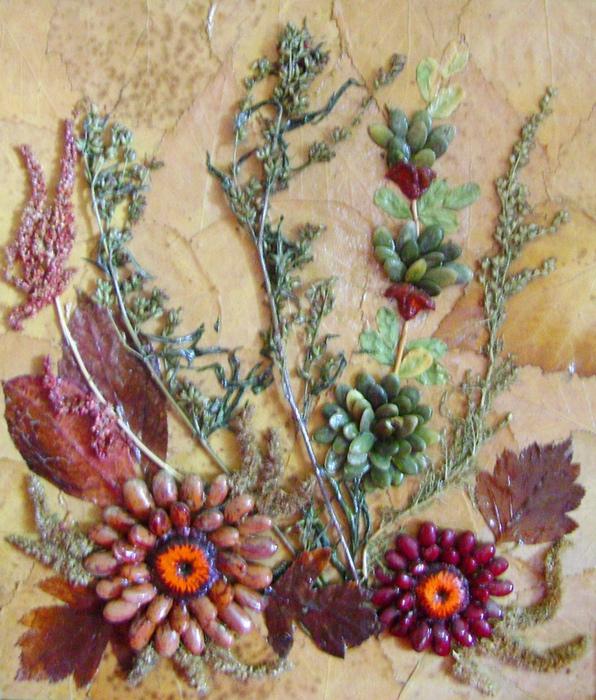 Панно из осенних листьев и цветов своими руками 57