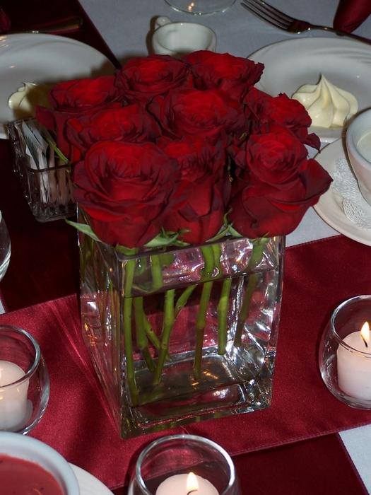 arranjo centro de mesa rosas vermelhas (525x700, 277Kb)