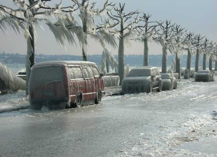 замерзшие машины/4348076_ledyanoi_shtorm_3 (700x506, 105Kb)