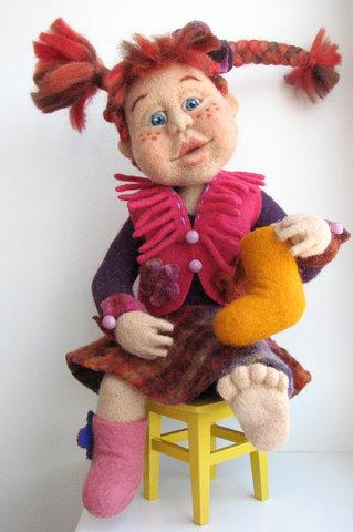 кукла с валенками (319x480, 66Kb)