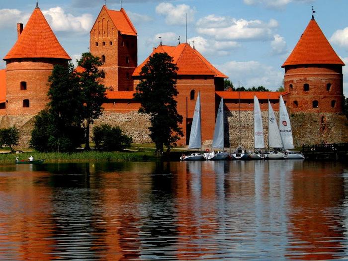Тракайский замок недалеко от Вильнюса 37013