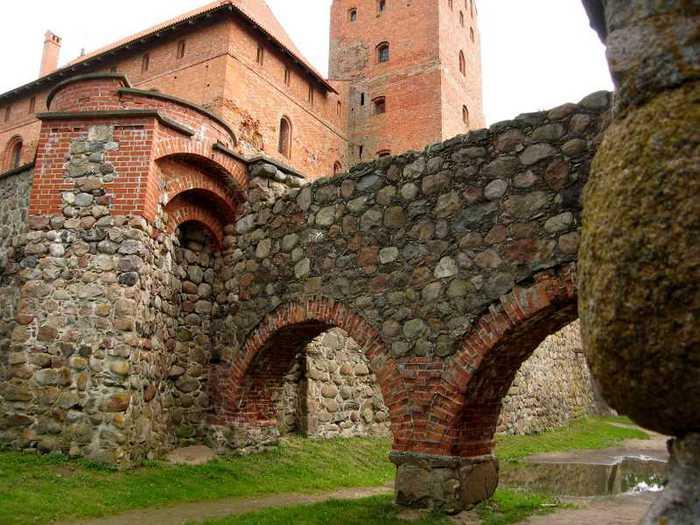 Тракайский замок недалеко от Вильнюса 75879