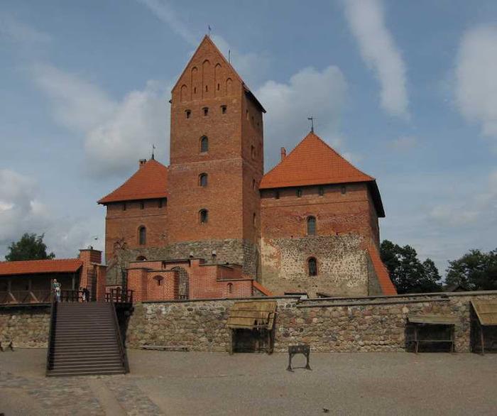 Тракайский замок недалеко от Вильнюса 19812