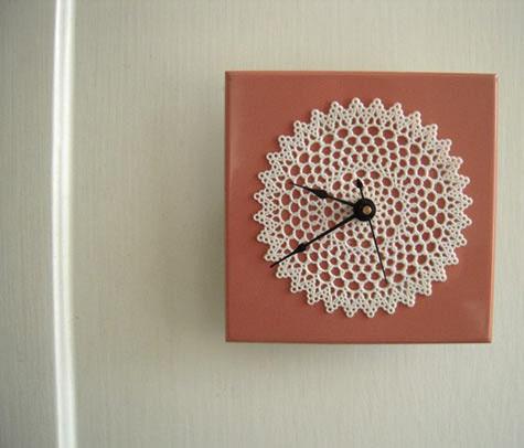 Идеи вязаных часов со всего