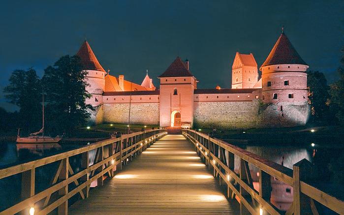 Тракайский замок недалеко от Вильнюса 33771