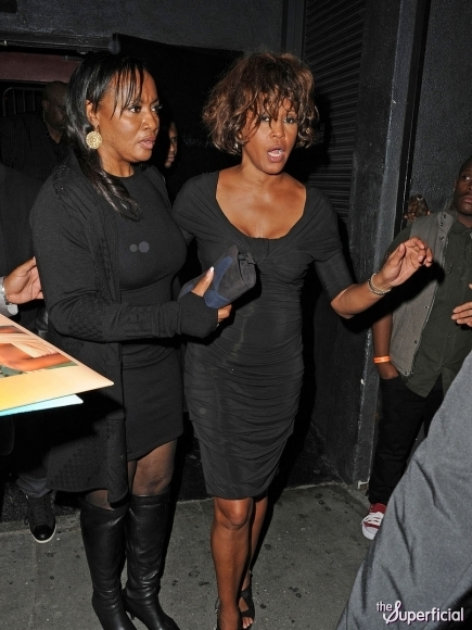 whitney-houston-drunk-high-0210-20-435x580 (435x580, 183Kb)