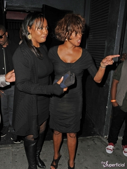whitney-houston-drunk-high-0210-19-435x580 (435x580, 179Kb)
