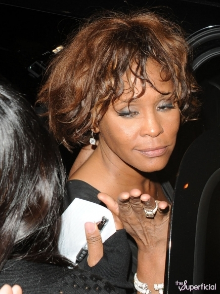 whitney-houston-drunk-high-0210-05-435x580 (435x580, 199Kb)