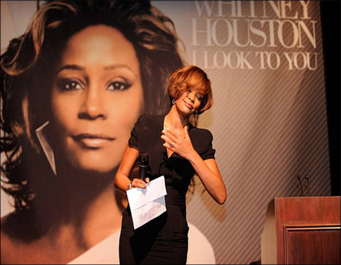 Whitney Houston 12 (700x545, 51Kb)