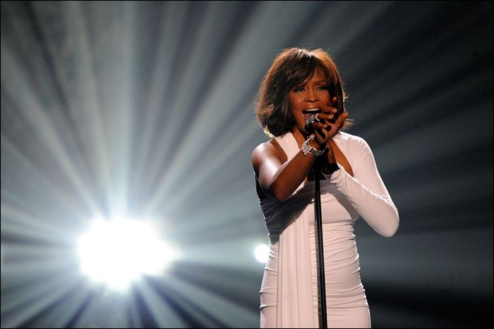 Whitney Houston 17 (700x467, 34Kb)