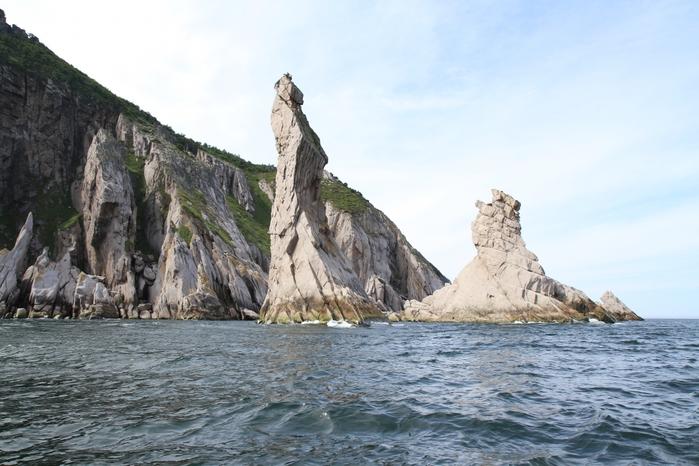 Скалы на Рейнеке. Побережье Охотского моря/4316166_Skali_na_Reineke (700x466, 249Kb)