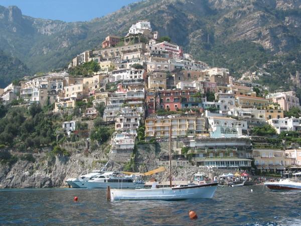 Необычные и красивые города на скалах - Позитано 3 (600x450, 108Kb)