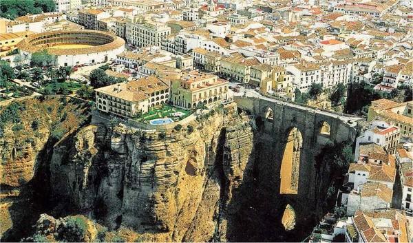 Необычные и красивые города на скалах - Ронда 3 (600x353, 122Kb)