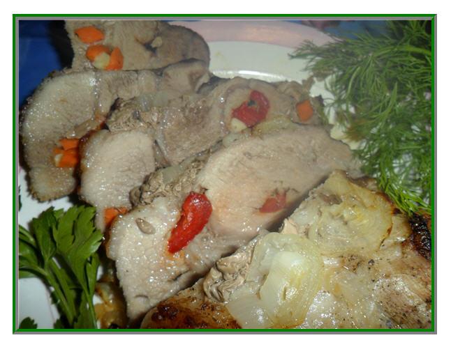 Мясо, запеченное в духовке. Рецепт с фото: фаршированное мясо, запеченное в фольге/3973799_myaso_v_folge_1 (646x498, 65Kb)