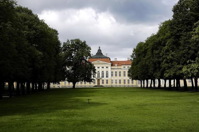 Дворец Рачиньских в селении Рогалин 18052