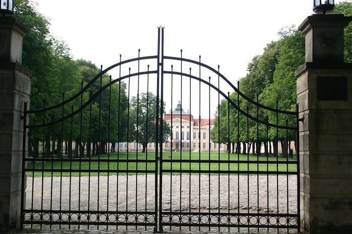 Дворец Рачиньских в селении Рогалин 13325