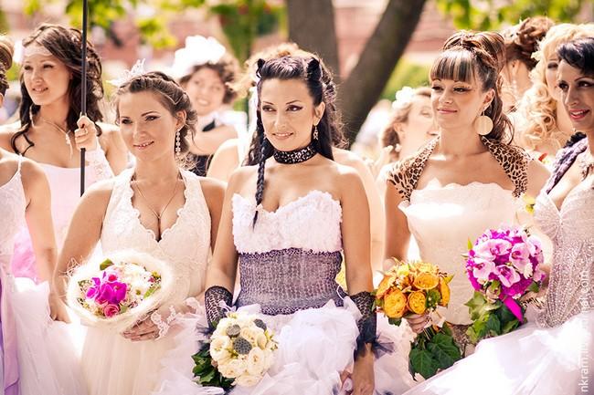 Одесский парад невест 1 (650x433, 106Kb)