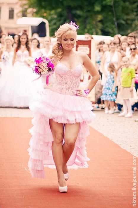 Одесский парад невест 5 (466x700, 339Kb)
