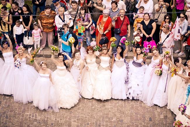 Одесский парад невест 13 (650x433, 133Kb)