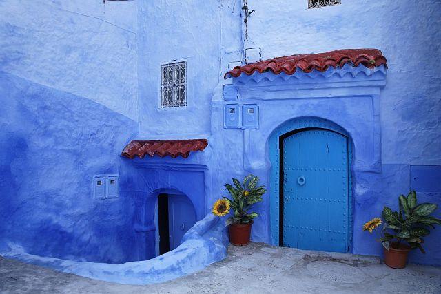 В голубом этот город всплыл, Чистота или утро в нем. 15592