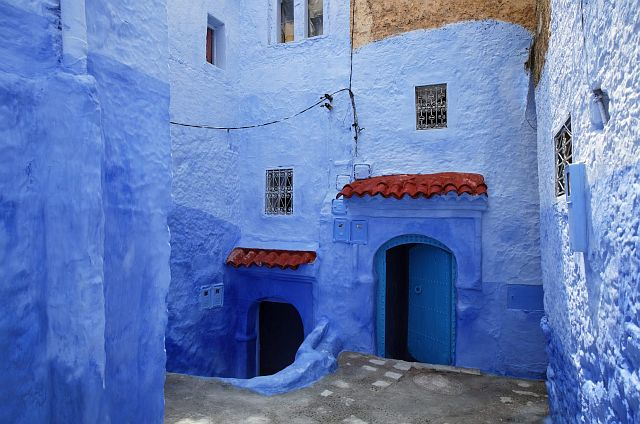 В голубом этот город всплыл, Чистота или утро в нем. 80303