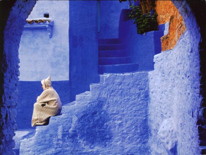 В голубом этот город всплыл, Чистота или утро в нем. 93775