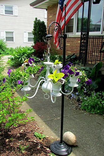 chandelier-flower-planter-diy-flowers-gardening-repurposing-upcycling (334x500, 268Kb)
