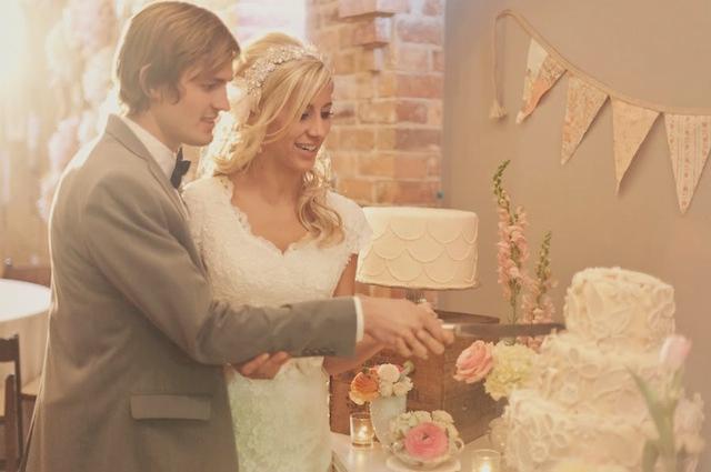 14_Roses-Lace-Vintage-Wedding-Alixann-Loosle-Photography-161 (640x425, 218Kb)