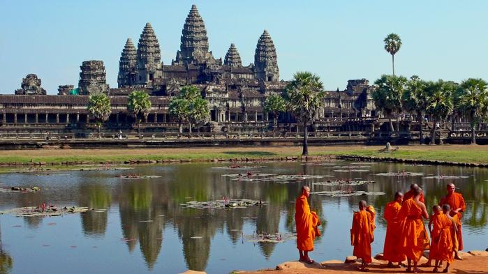 Ангкор-Ват в Камбодже (700x393, 368Kb)