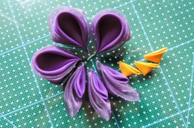 Tutorial-floare-de-iris-matase-organza-24-400x264 (400x264, 153Kb)