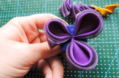 Tutorial-floare-de-iris-matase-organza-28-400x264 (400x264, 116Kb)