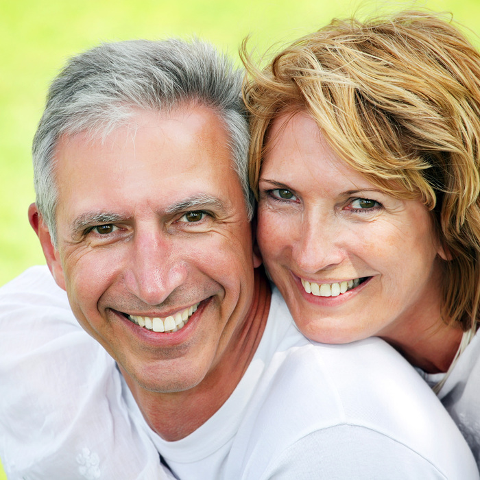 happy-mature-couple (700x700, 212Kb)