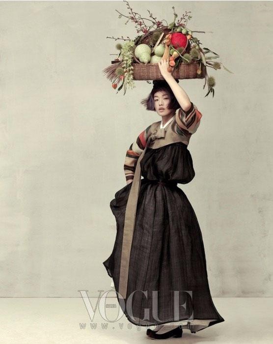 модная фотосессия Vogue Корея 1 (556x700, 181Kb)