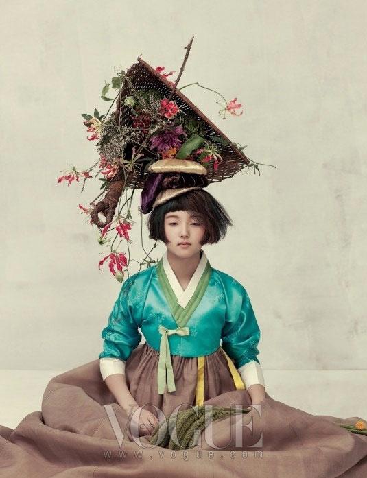 модная фотосессия Vogue Корея 3 (535x697, 227Kb)