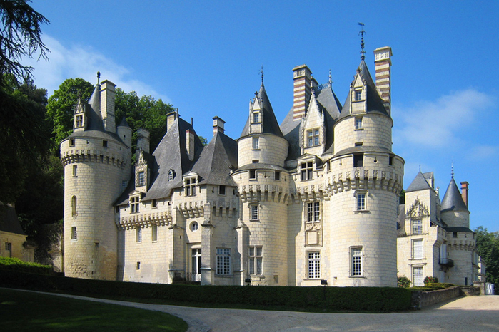 3. Замок Юссе (700x466, 429Kb)